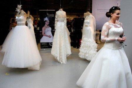 Efteråret 2013 brudekjole udsalg Bryllup.dk