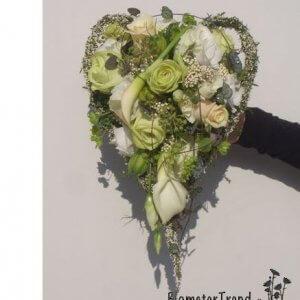 Brudebuket i hjerte form pris 1.400 kr