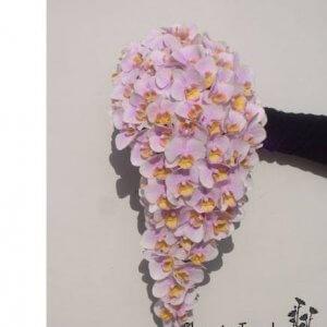Brudebuket m. dryp kun med orkideer pris 2.500 kr