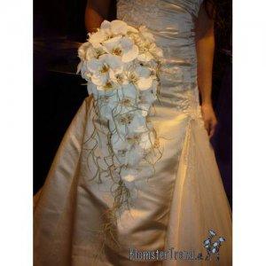 Brudebuket med Orkideer og Tilantia pris 2.500 kr.