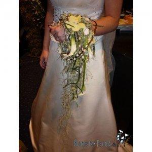 Brudebuket_ muffe i lime og hvide nuancer pris 1.600 kr.