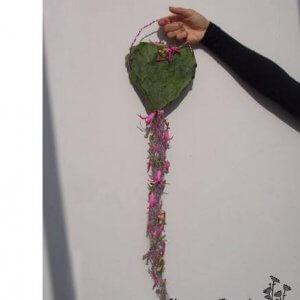 Brudesmykke formet som en taske pris 1.800 kr