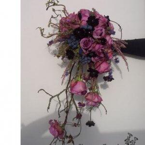 Rustik brudebuket m. dryp pris 1.600 kr.