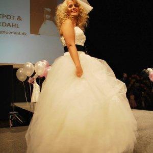 Brudekjole fra Askepot og Duedahl