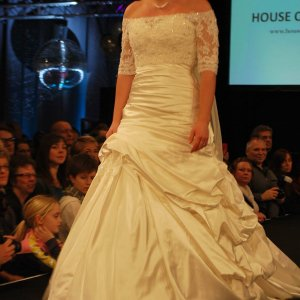 Brudekjole fra House of Brides