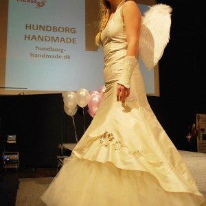 Brudekjole fra Hundborg Handmade