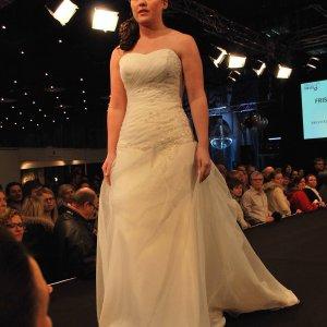 Brudekjole fra Karim Design.