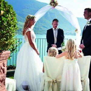 """e13a3314 Vælg """"Wedding By Charlotte"""" til at arrangere jeres bryllup. Så får I tid  til at nyde jeres gæsters selskab, for de har styr på tingene og laver et  ..."""