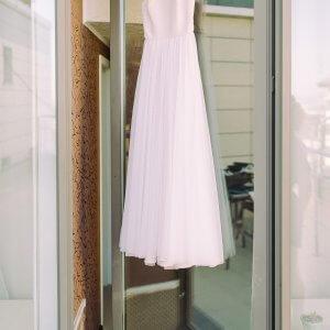5647f823 Sådan får du en simpel brudekjole til at ligne en million!