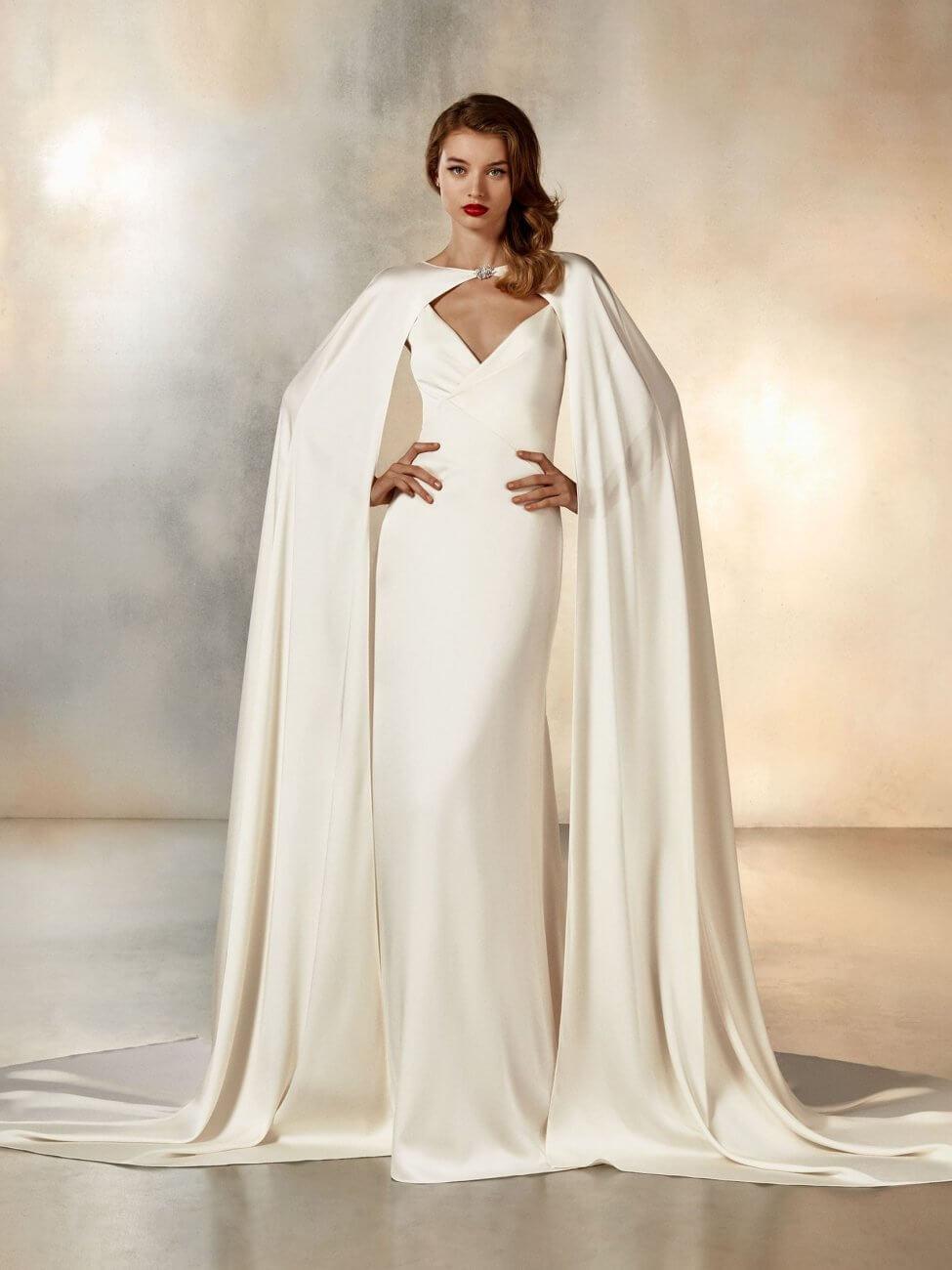 pronovias brudekjole med kappe